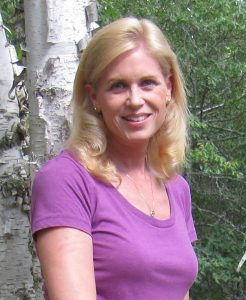 deanna-author-photo-lake-union-246x300